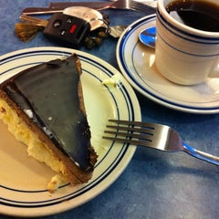 Photo taken at Blue Colony Diner by Henry K. on 12/27/2011