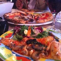 Photo taken at Rossopomodoro by Oznur K. on 10/26/2012