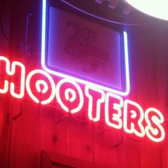 Photo taken at Hooters by Marle R. on 10/20/2012