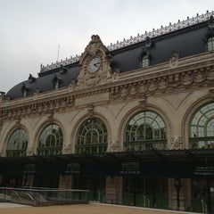 Photo taken at Gare de Lyon-Brotteaux by Presto Y. D. on 11/13/2012