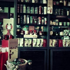 Photo taken at Starbucks by Mason R. on 12/2/2012