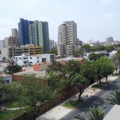 Photo taken at Telefónica del Perú (Torre Azul) by Luis C. on 11/17/2012