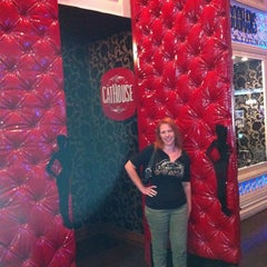 Photo taken at CatHouse Boutique Nightclub / Doohan's Bar & Lounge by George on 9/26/2012