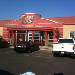 Photo taken at Red Robin Gourmet Burgers by Hugh on 9/15/2012