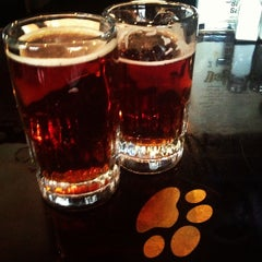 Photo taken at Pub Dog Pizza & Drafthouse by Jeeves M. on 11/24/2012