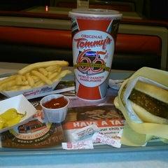 Photo taken at Original Tommy's Hamburgers by Ruben G. on 1/18/2013
