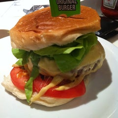 Photo taken at Original Burger by Adriano C. on 10/14/2012