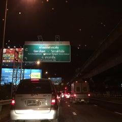 Photo taken at สะพานข้ามแยกประชานุกูล (Prachanukun Flyover) by ShowpowMay J. on 10/27/2015