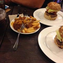 Photo taken at Kraze Burgers by Ari H. on 9/18/2014