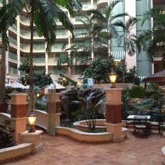 Photo taken at Sheraton Suites Fort Lauderdale At Cypress Creek by Linda L. on 11/9/2012