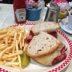 Photo taken at David's Delicatessen & Restaurant by Rodney B. on 10/31/2012