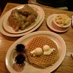 Photo taken at Roscoe's House of Chicken and Waffles by Mary on 8/29/2013
