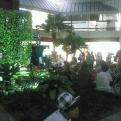 Photo taken at Barra Garden Shopping by Rafaella L. on 9/15/2012