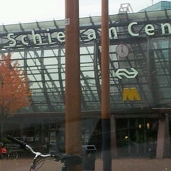 Photo taken at Station Schiedam Centrum by Hans H. on 10/20/2012