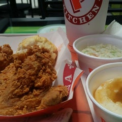 Photo taken at Popeyes by Francisco H. on 2/23/2015
