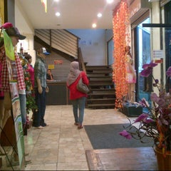 Photo taken at Happening Boutique Outlet by Prasetya H. on 12/18/2012