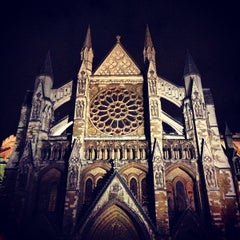 Photo taken at Westminster Abbey by Simon N. on 10/31/2012