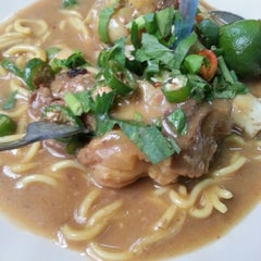 Photo taken at Restoran ZZ Sup Tulang by Ahmad shafrizal on 9/27/2012