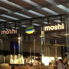 Photo taken at Moshi Moshi by Karen on 10/21/2012