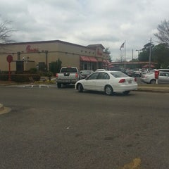 Photo taken at Chick-fil-A by Daphne P. on 4/5/2013