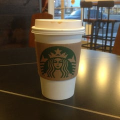Photo taken at Starbucks by Mikael T. on 5/13/2013