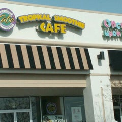 Photo taken at Tropical Smoothie Cafe by Barbara H. on 2/10/2013