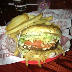 Photo taken at Red Robin Gourmet Burgers by Peter M. on 2/14/2013