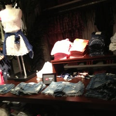 Photo taken at Abercrombie & Fitch by Mon B. on 5/12/2013