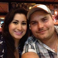 Photo taken at TGI Fridays by Paow A. on 7/12/2014