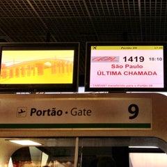 Photo taken at Portão 9 by Daniel Costa d. on 5/3/2013