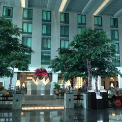 Photo taken at Novotel Suvarnabhumi Airport Hotel (โรงแรมโนโวเทล สุวรรณภูมิ) by Jeab K. on 12/11/2012