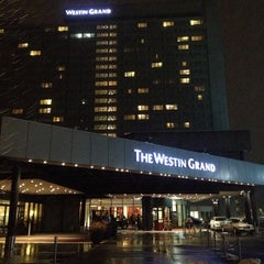 Das Foto wurde bei The Westin Grand München von Miccute N. am 10/31/2012 aufgenommen