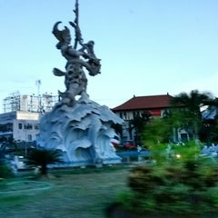 Photo taken at Dewa Ruci Statue (Simpang Siur Roundabout) by Rereh H. on 3/23/2014