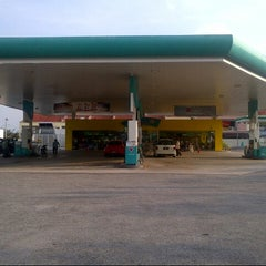 Photo taken at PETRONAS Station by Anonimursi S. on 10/26/2012
