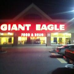 Photo taken at Giant Eagle Supermarket by James J. on 11/18/2012