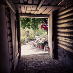 Photo taken at Frogner Hovedgaard by Anna I. on 7/7/2013