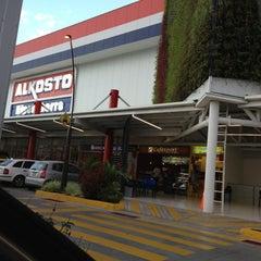 Foto tomada en Alkosto por Hector Fabio C. el 6/12/2013