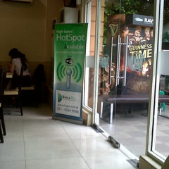 Photo taken at RAVINO by Jeffrey L. on 11/29/2012