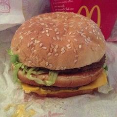 Photo taken at McDonald's by Verónika on 9/30/2012