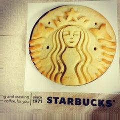 Photo taken at Starbucks by Arnold M. on 12/5/2014