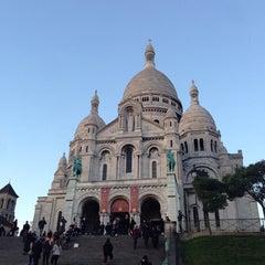 Photo taken at Basilique du Sacré-Cœur de Montmartre by Roman A. on 11/19/2013