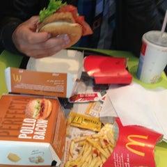 Photo taken at McDonald's by Aldo Fabian Z. on 10/7/2012