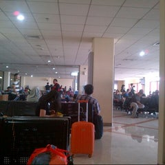 Photo taken at Gate 6 by Ibar S. on 10/24/2014