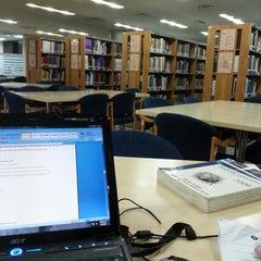 Photo taken at Tan Sri Dr. Abdullah Sanusi Digital Libray, Open University Malaysia (OUM) by Akuma on 3/5/2013