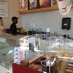 Photo taken at Haagen-Dazs Shop by Kingsley O. on 1/2/2013
