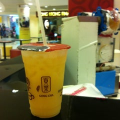 Photo taken at Gong Cha 贡茶 by Ter Y. on 10/20/2012
