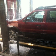 Photo taken at Super Car Wash & Quick Lube by Yousef Y. on 6/1/2014