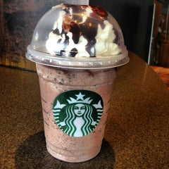 Photo taken at Starbucks by Elwin K. on 5/19/2013