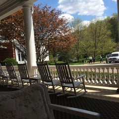 Photo taken at The Front Porch at The Homestead by Sheryl B. on 5/4/2015