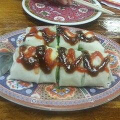 Photo taken at Taste Good Malaysian Cuisine 好味 by Felix M. on 9/19/2012